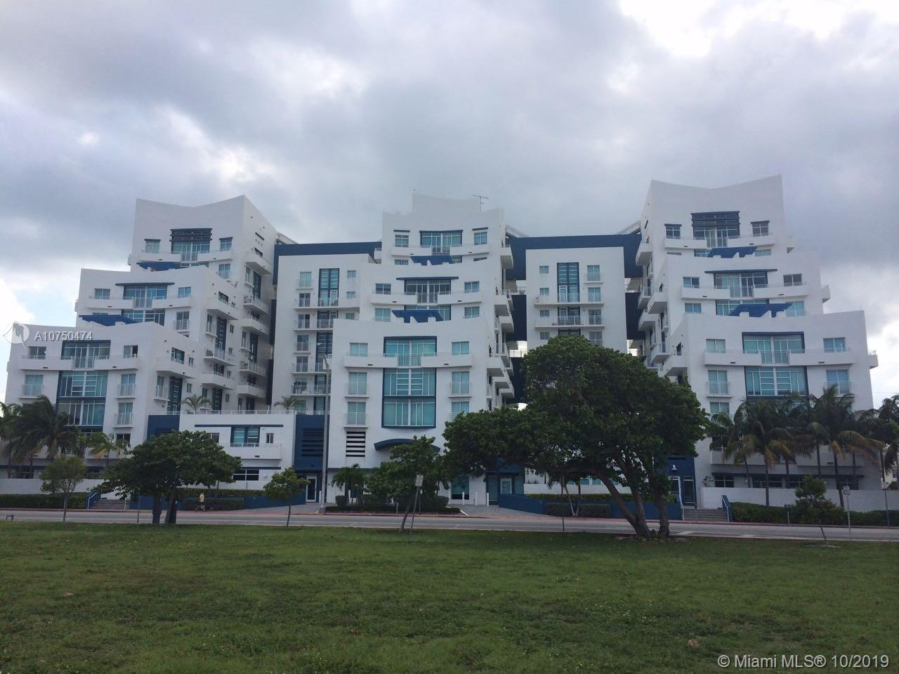 7600 Collins Ave #714 photo01