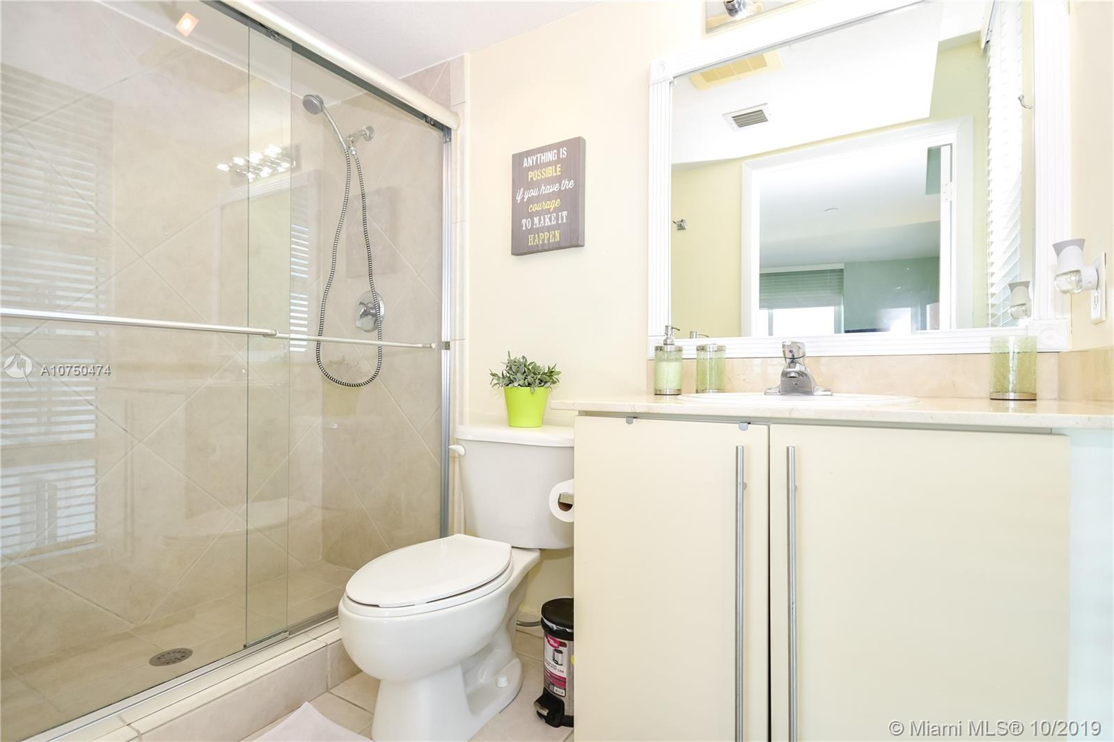 7600 Collins Ave #714 photo019
