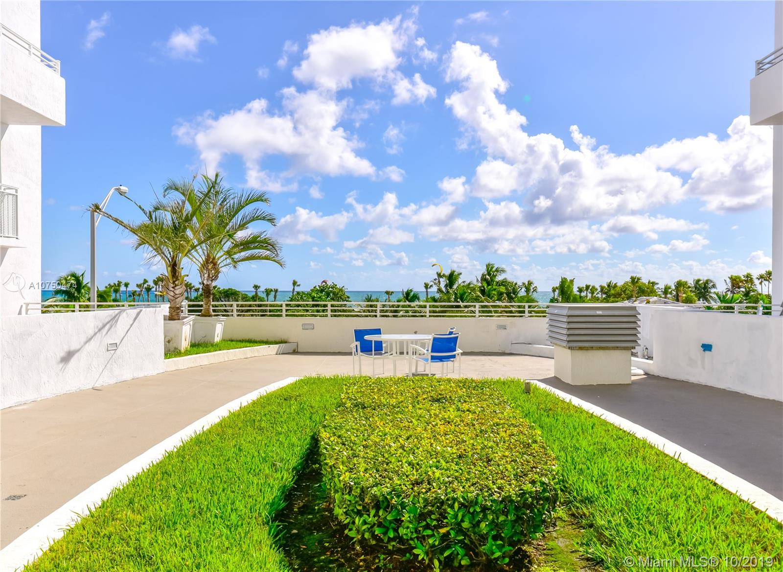 7600 Collins Ave #714 photo032