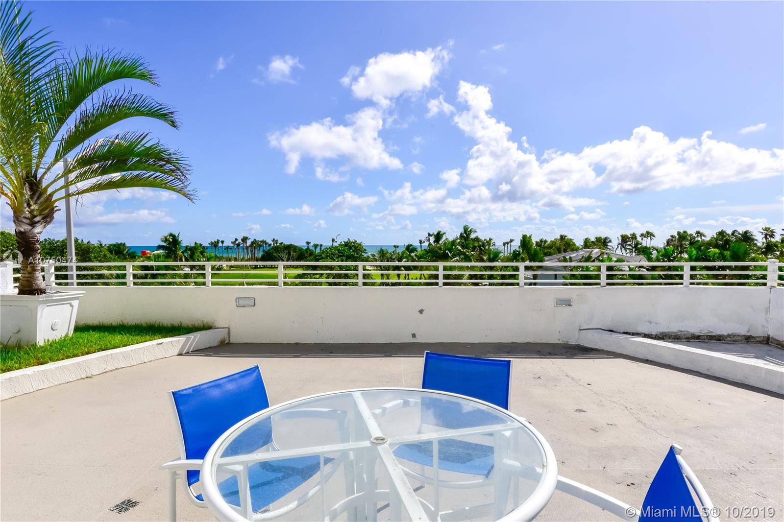 7600 Collins Ave #714 photo033