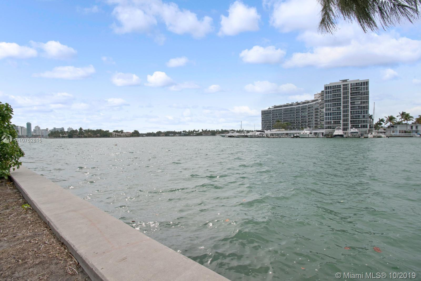 6915 Indian Creek Dr # 11, Miami Beach, Florida 33141, 1 Bedroom Bedrooms, ,1 BathroomBathrooms,Residential Lease,For Rent,6915 Indian Creek Dr # 11,A10752815