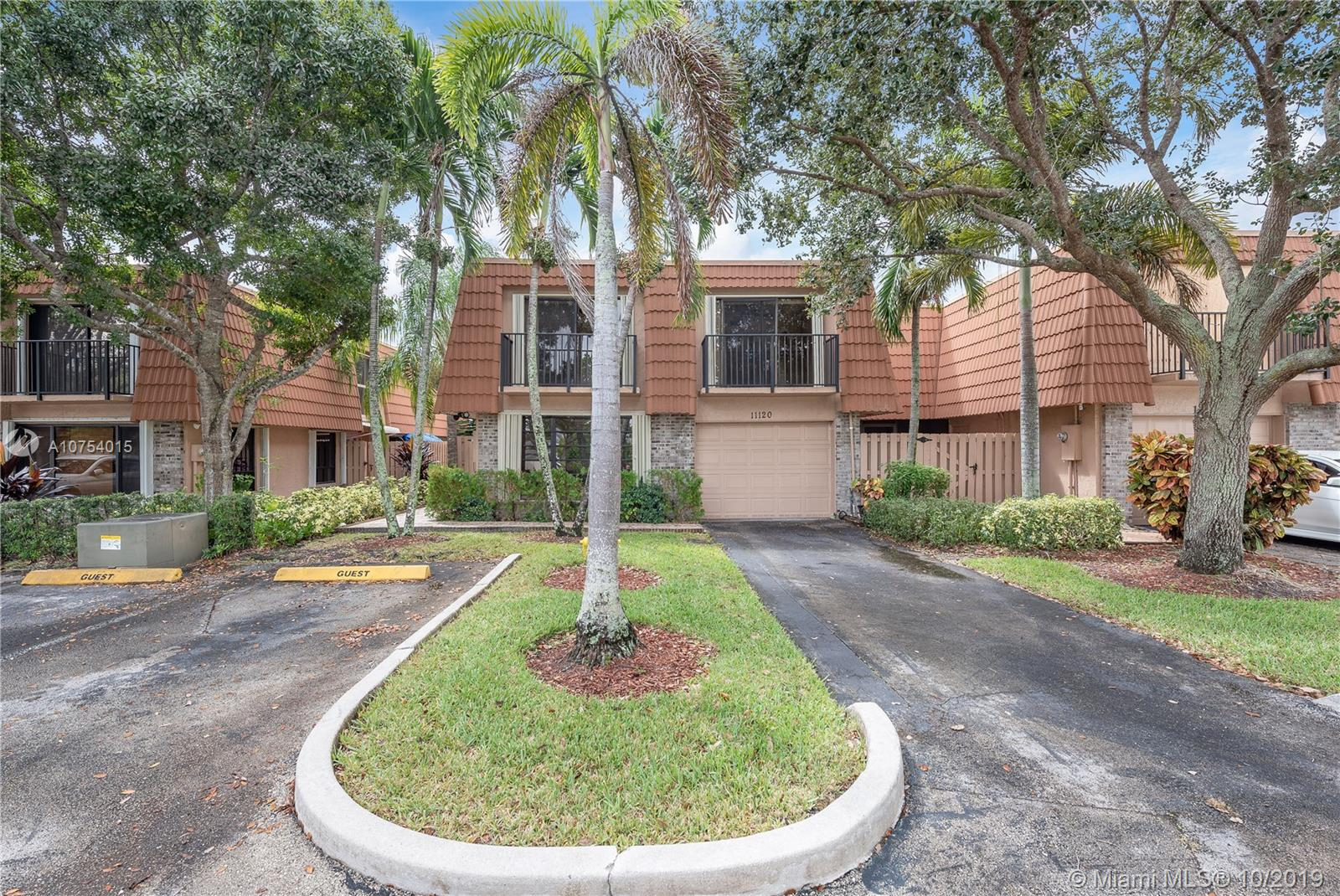 Property for sale at 11120 N Harmony Lake Cir, Davie FL 33324, Davie,  Florida 33324