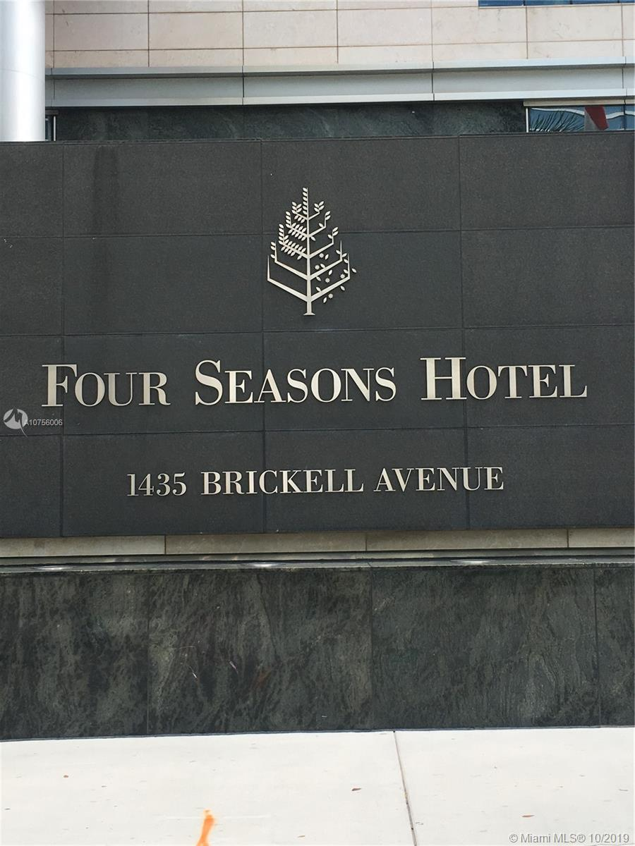 1435 Brickell Ave #3211 photo05