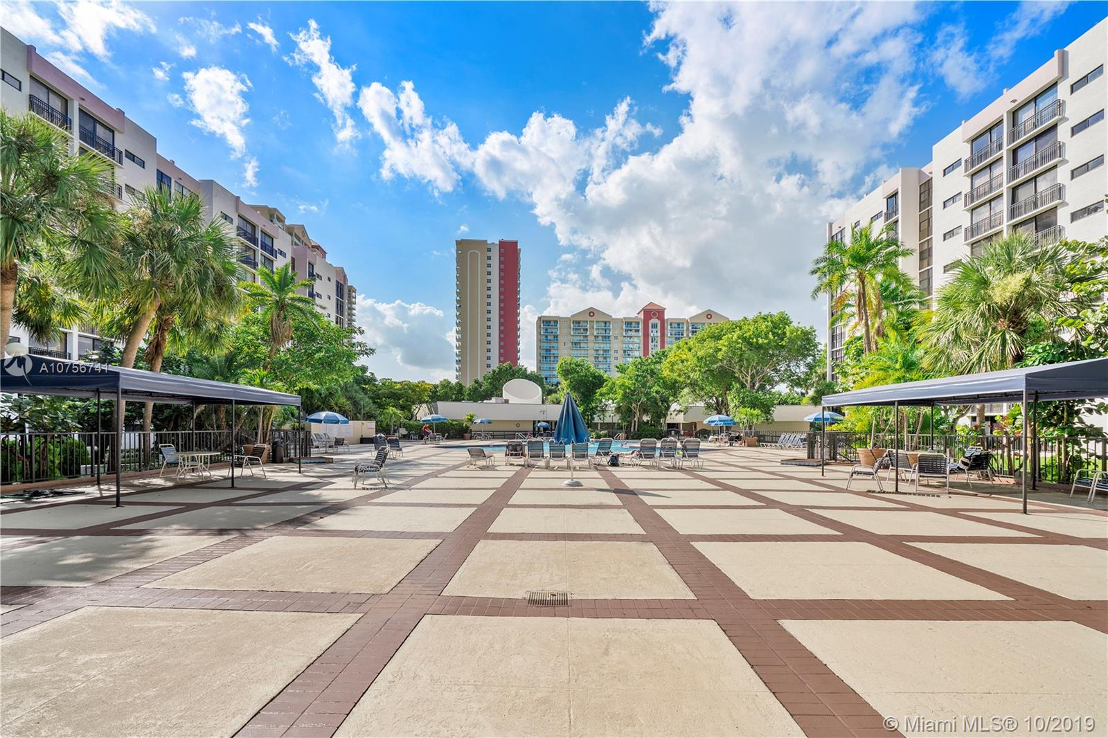 Plaza of the Americas #204 - 16 - photo