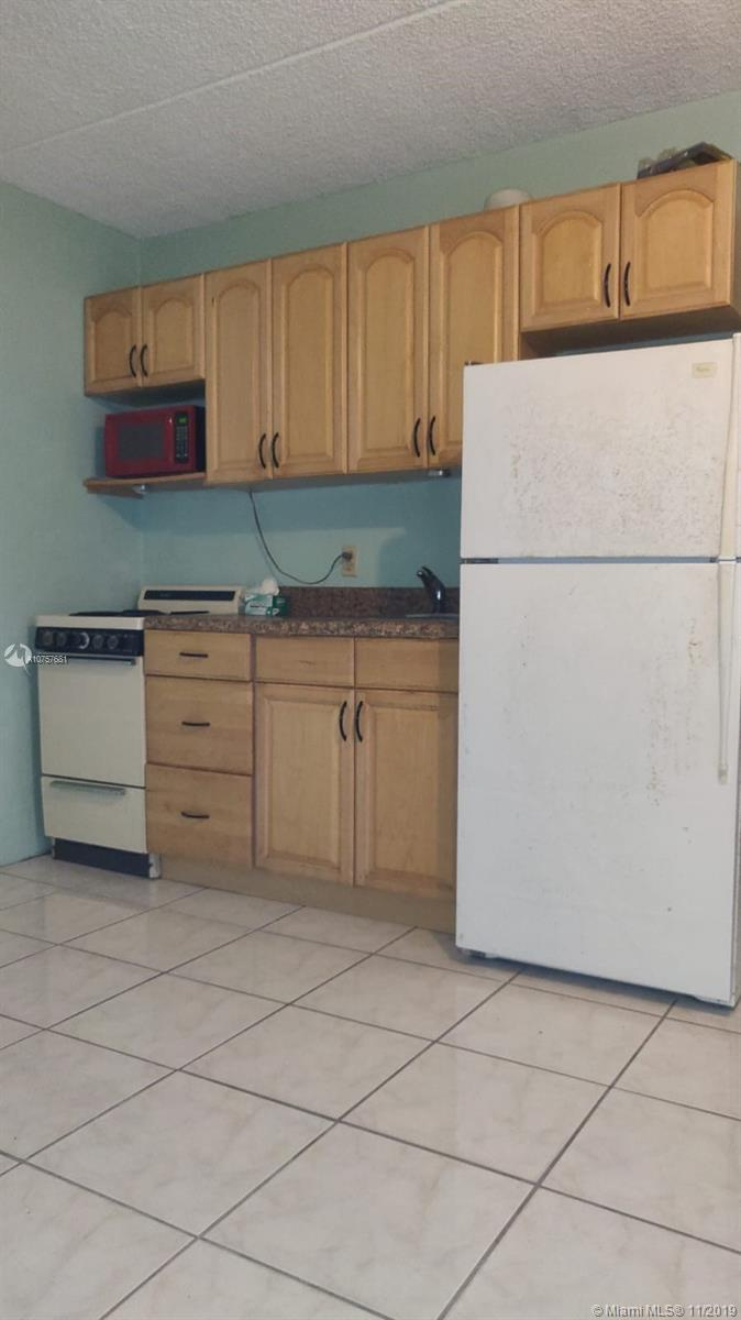 3211 SW 44th St # 205, Dania Beach, Florida 33312, 1 Bedroom Bedrooms, ,1 BathroomBathrooms,Residential Lease,For Rent,3211 SW 44th St # 205,A10757681