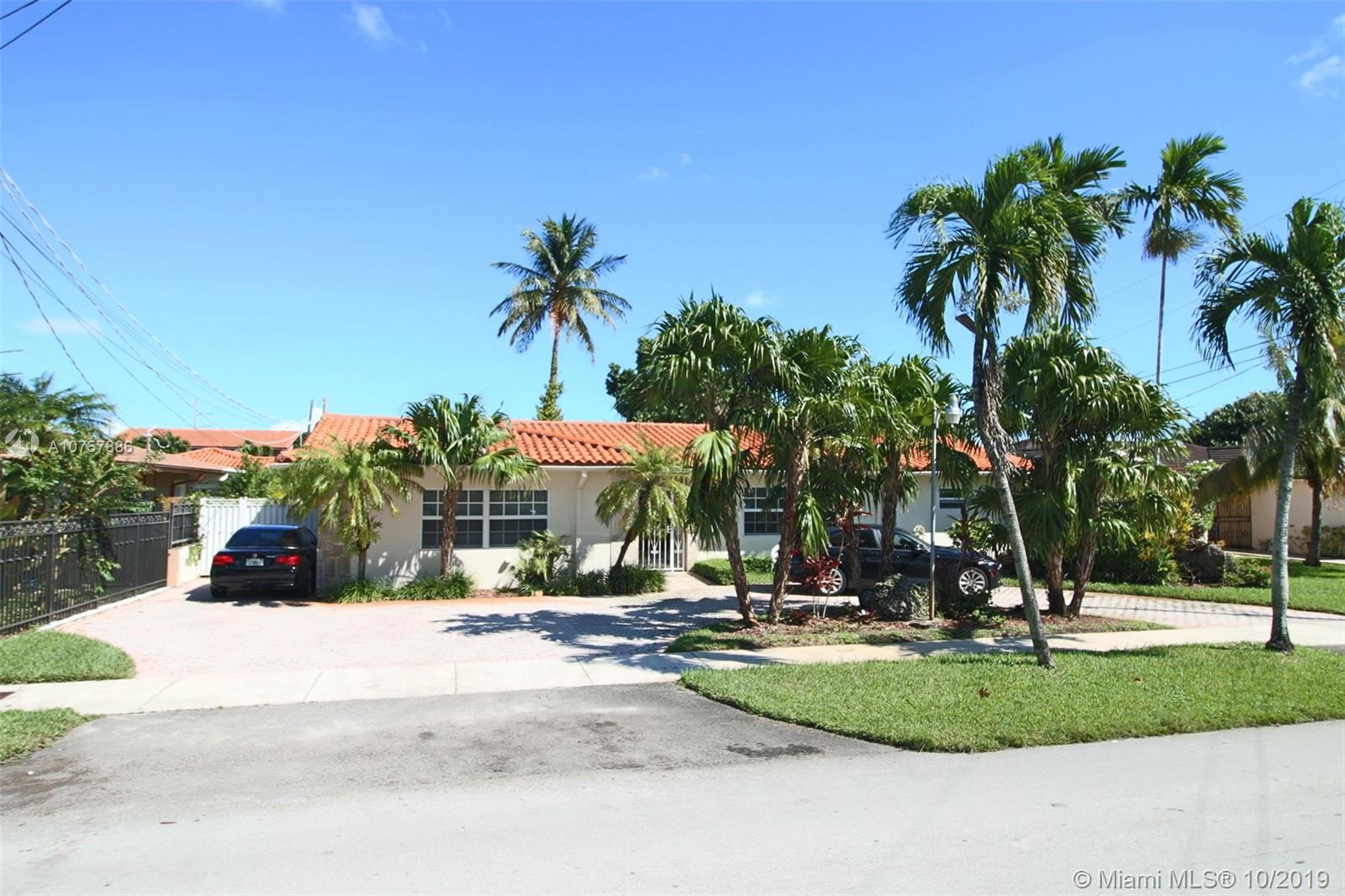 1215 SW 90th Ave photo01