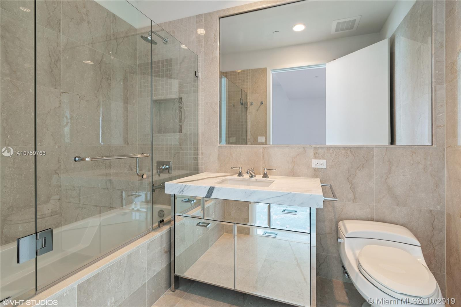 17475 Collins Ave #1501 photo017