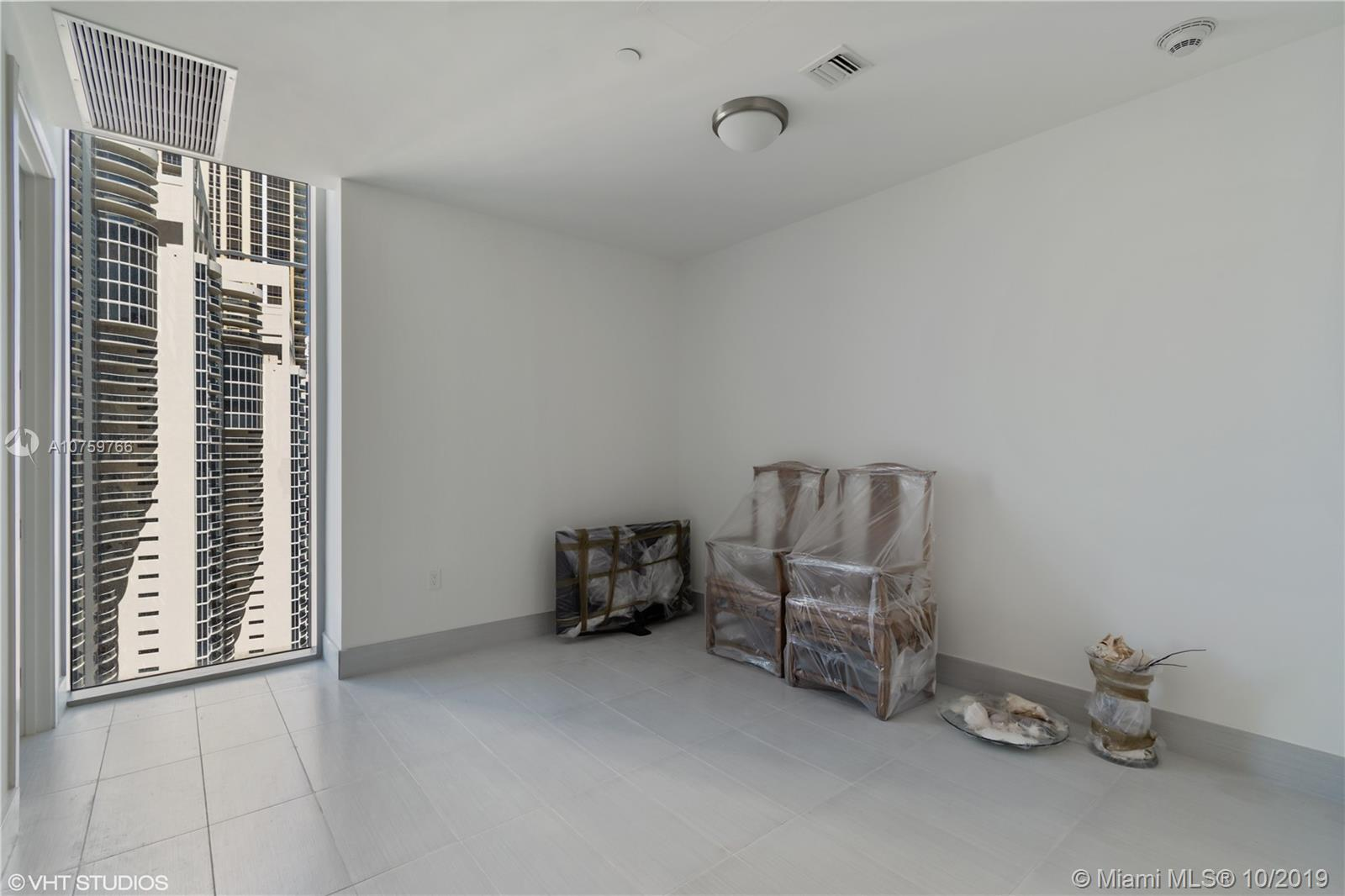 17475 Collins Ave #1501 photo019