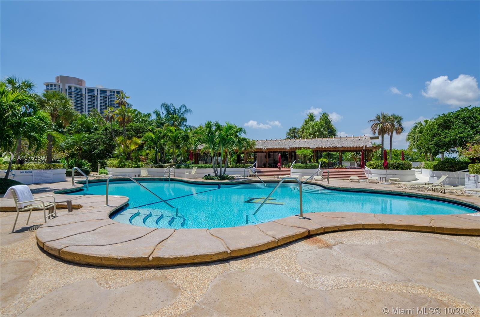 20281 E Country Club Dr #TW3 photo025