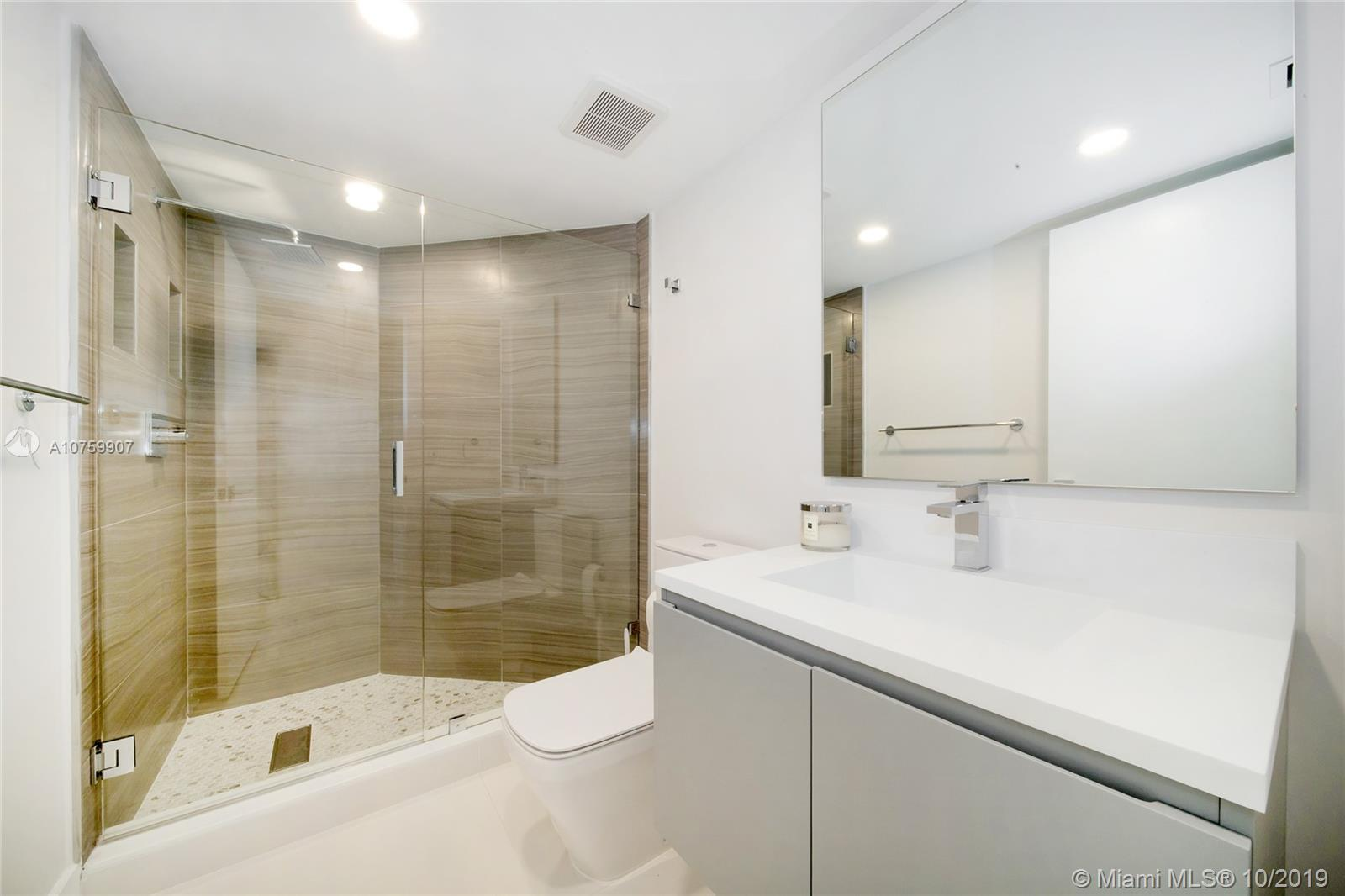 Photo of 3500 Mystic Pointe Dr #1401 listing for Sale