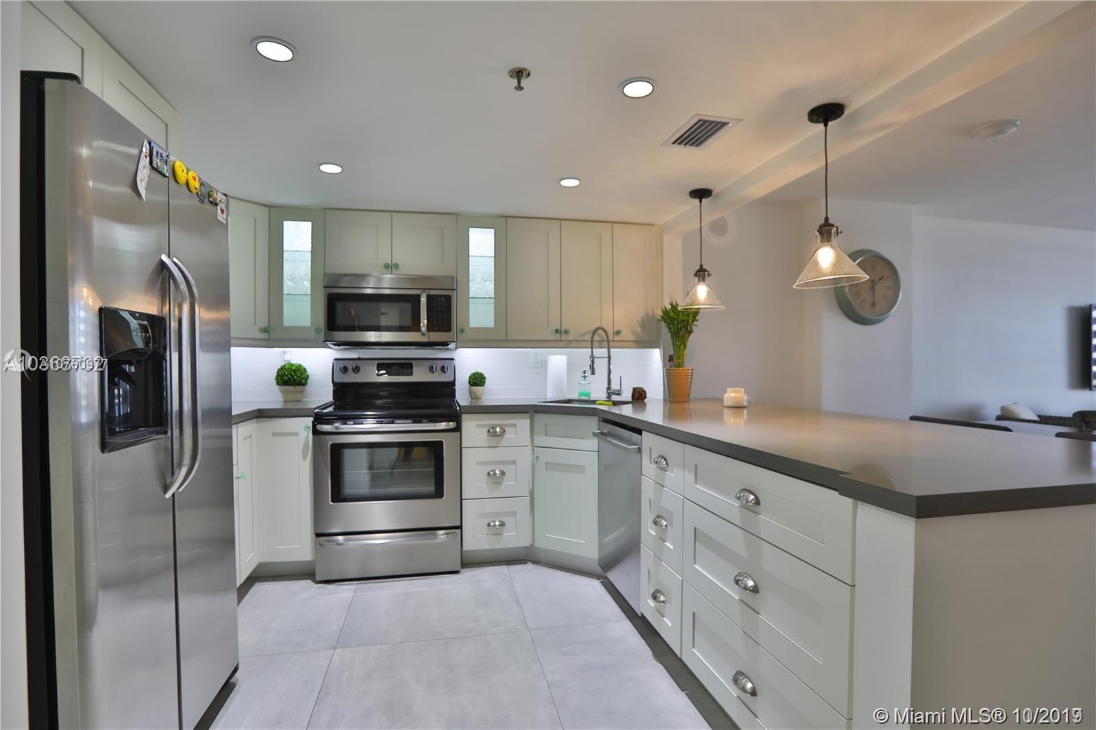 2625 Collins Ave #1209 photo02