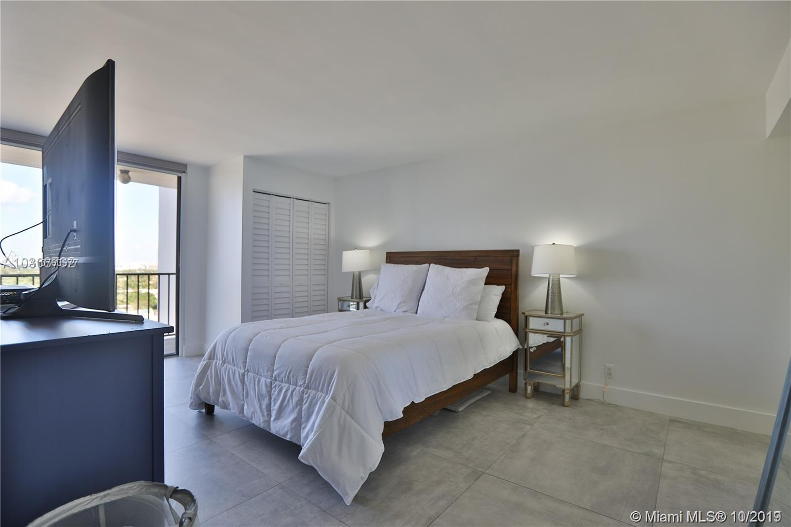 2625 Collins Ave #1209 photo06