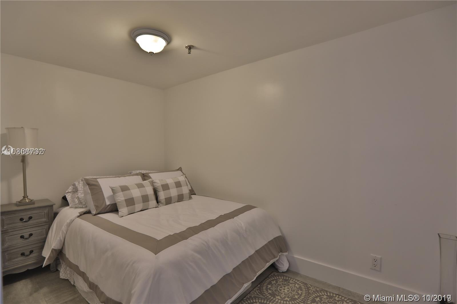 2625 Collins Ave #1209 photo08