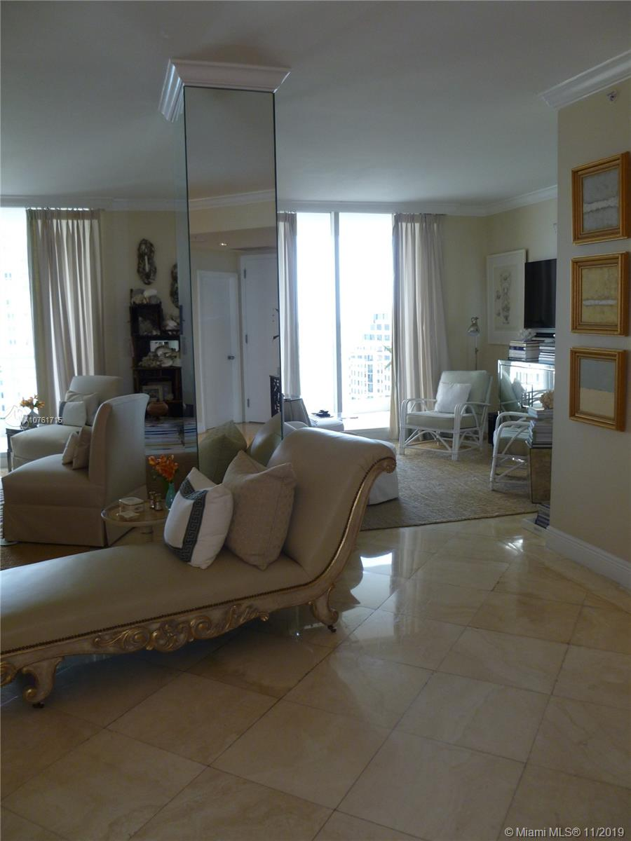 Photo of 888 Brickell Key Dr #1707 listing for Sale