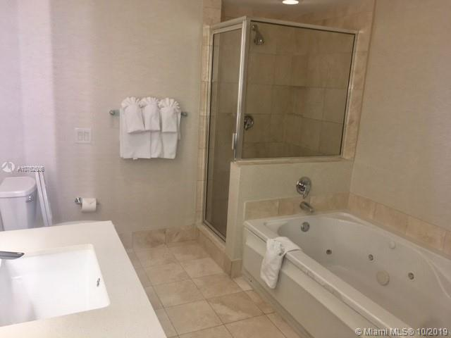 17375 Collins Ave #1208 photo06