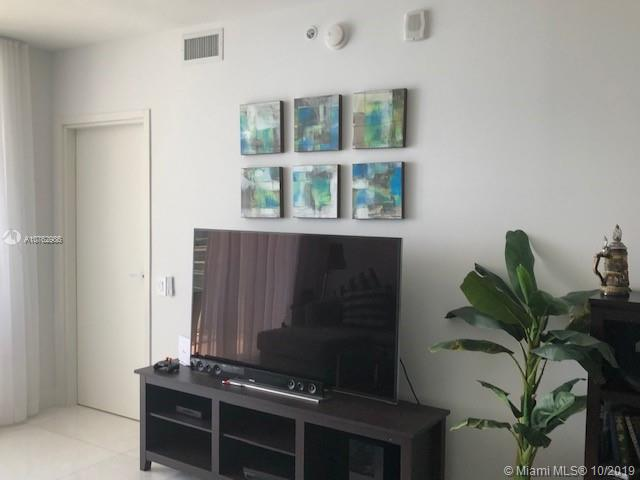 1300 Brickell Bay Dr #2304 photo010