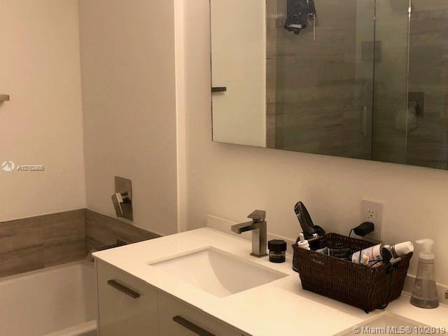 1300 Brickell Bay Dr #2304 photo011