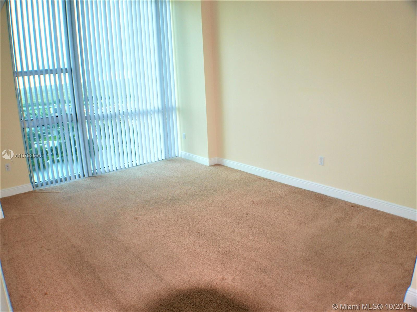 2641 N Flamingo Rd #2704N photo010