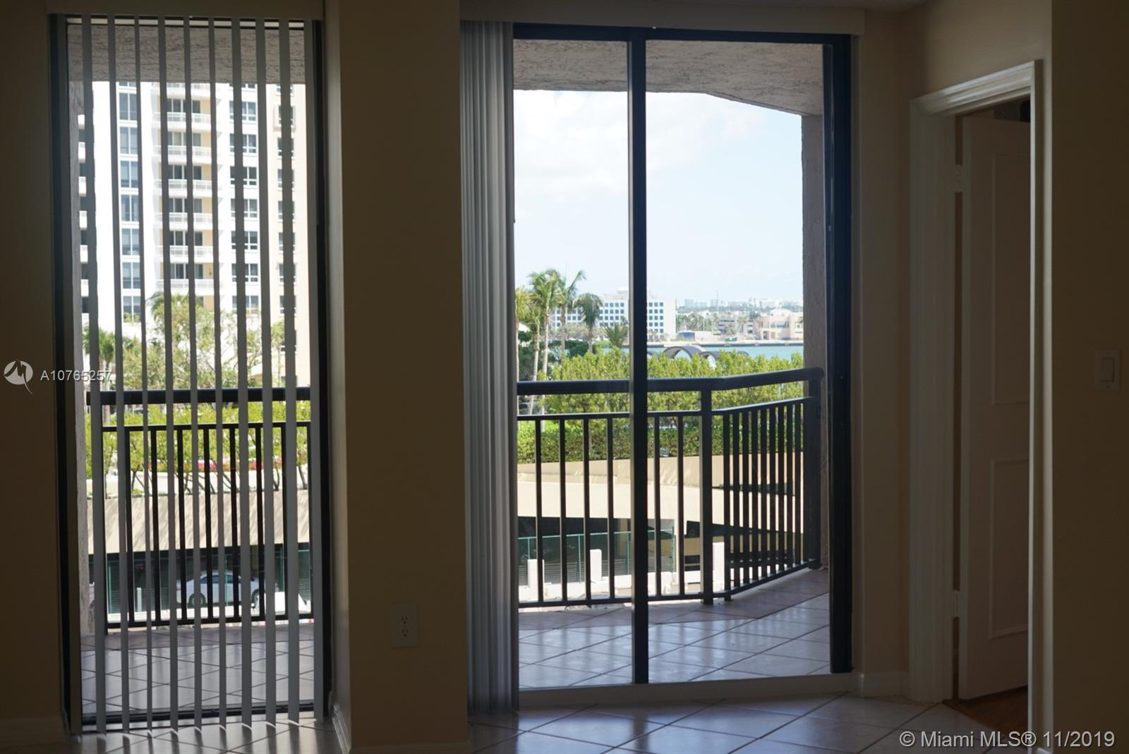 540 Brickell Key Dr #804 photo05