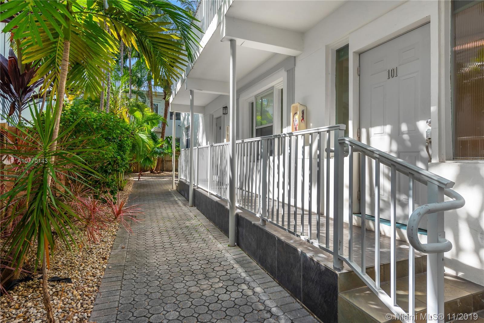 1622 Bay Rd, 101 - Miami Beach, Florida