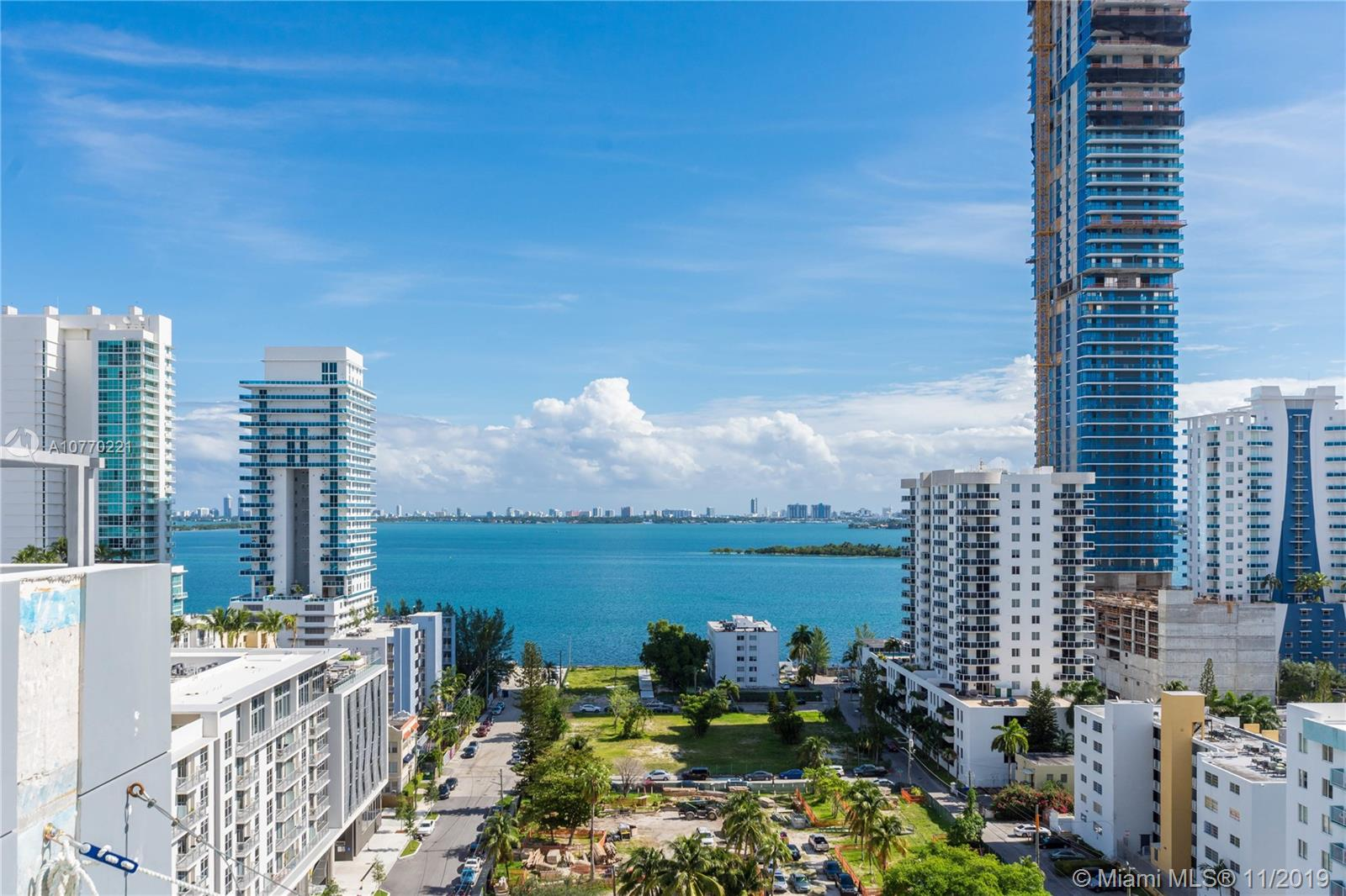 350 NE 24th St, 1402 - Miami, Florida