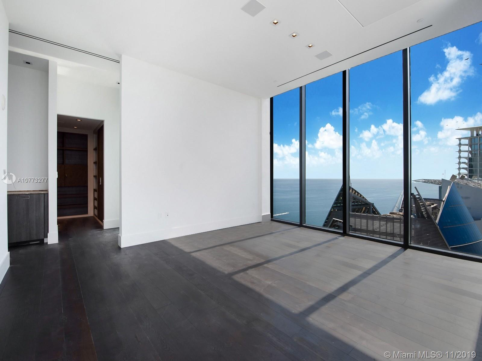 Photo of 17141 Collins Ave #4402 listing for Sale