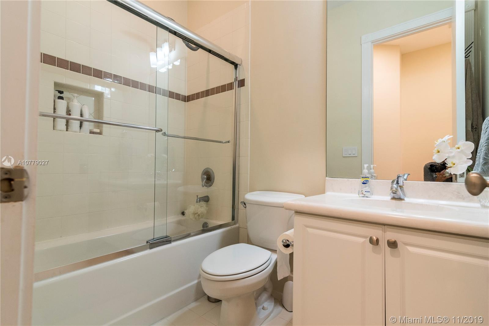 Photo of 19401 NE 15th Ct # listing for Sale