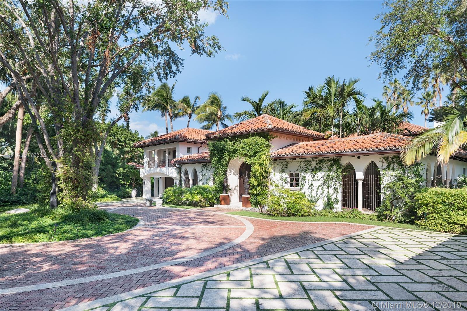 6385 Pinetree Drive Cir - Miami Beach, Florida