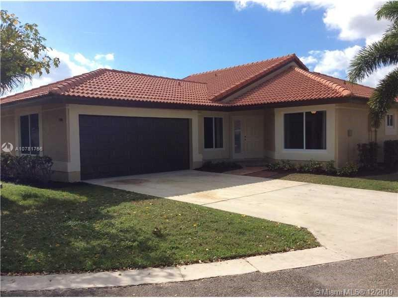 Property for sale at 946 NW 104th Ln Unit: 946, Coral Springs,  Florida 33071