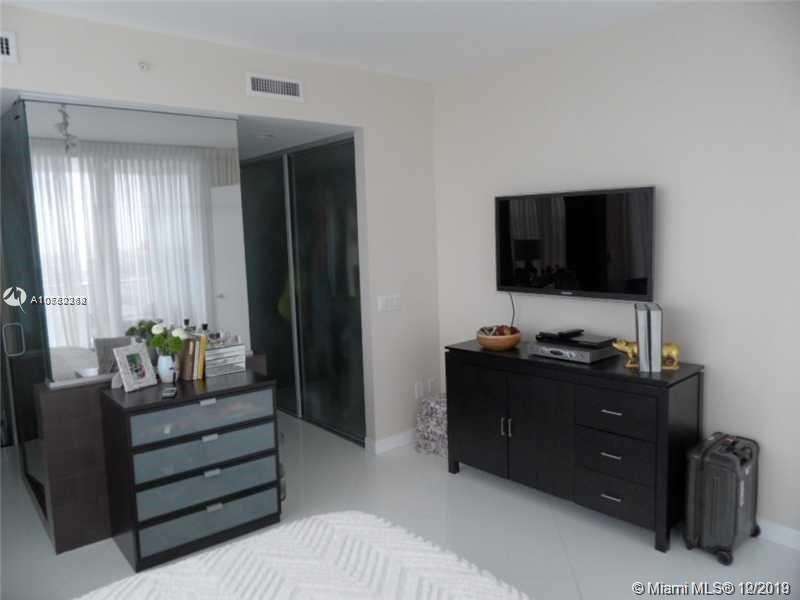 Property 1040 Biscayne Blvd #2806 image 7