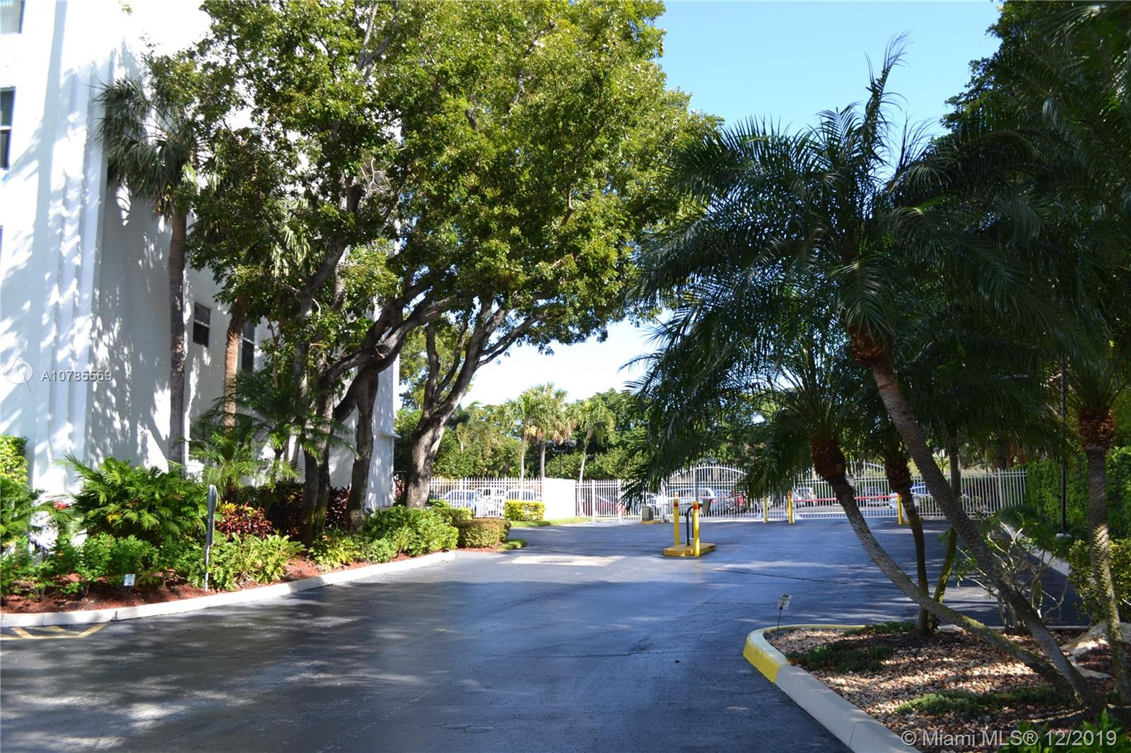 1800 N Andrews Ave # 12E, Fort Lauderdale, Florida 33311, 1 Bedroom Bedrooms, ,2 BathroomsBathrooms,Residential Lease,For Rent,1800 N Andrews Ave # 12E,A10785569