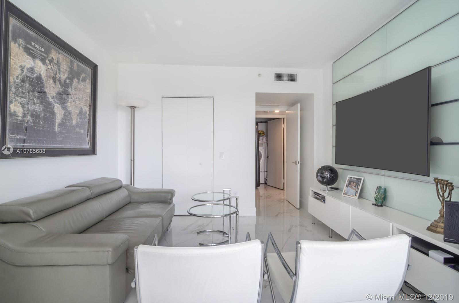 Photo of 21205 Yacht Club Dr #807 listing for Sale