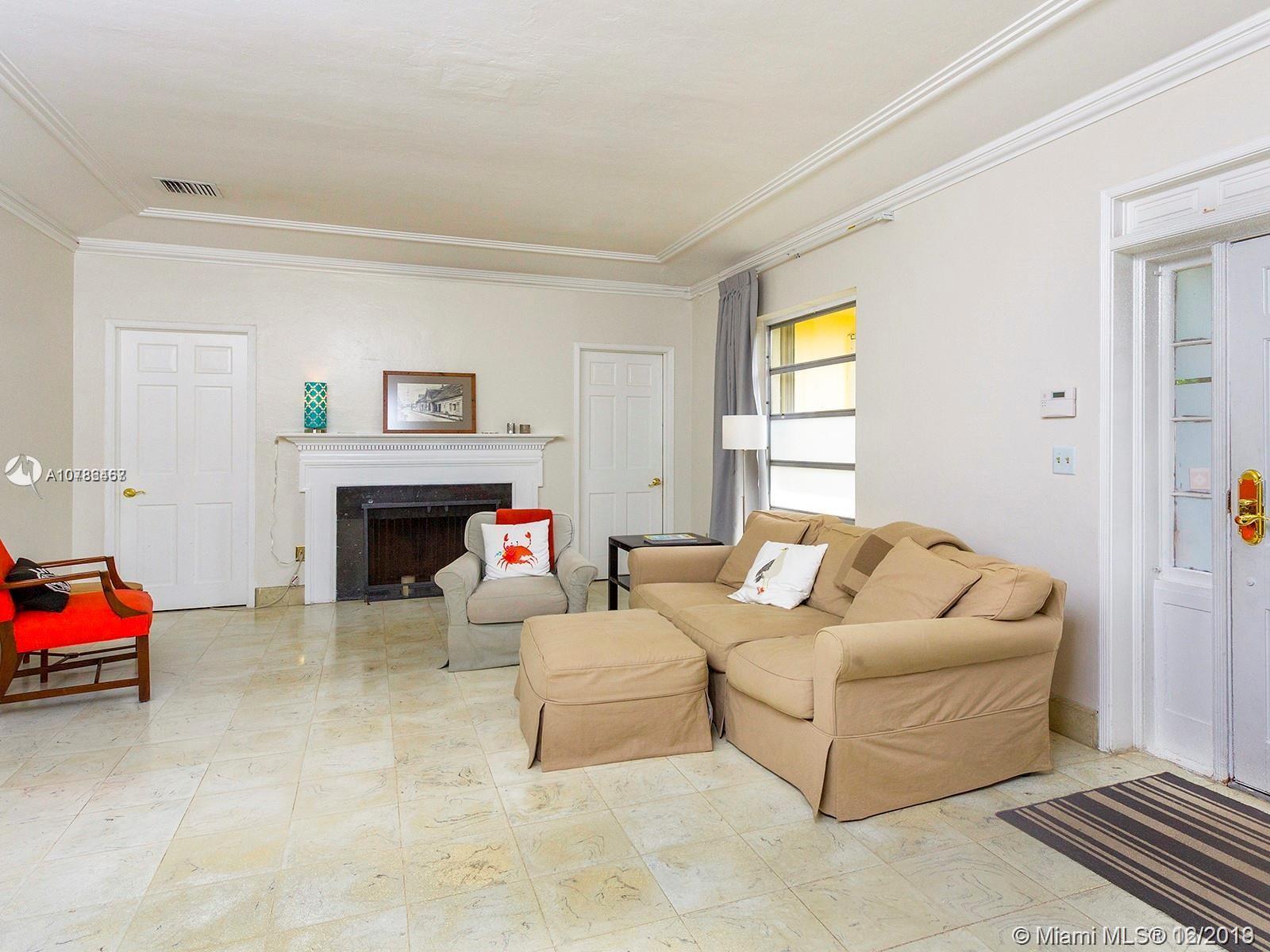 Дом в США по адресу 9400 Abbott Ave, Surfside, FL 33154