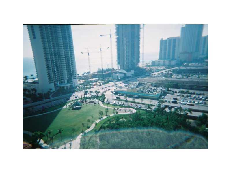 Winston Towers #417 photo04