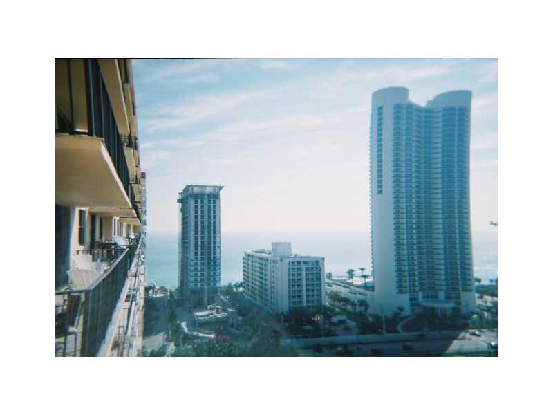 Winston Towers #417 photo05