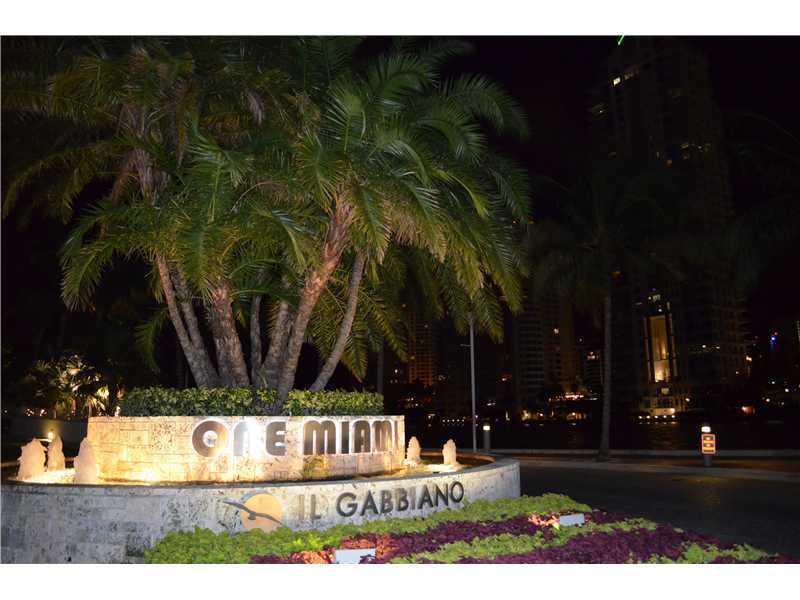 One Miami #3602 photo01