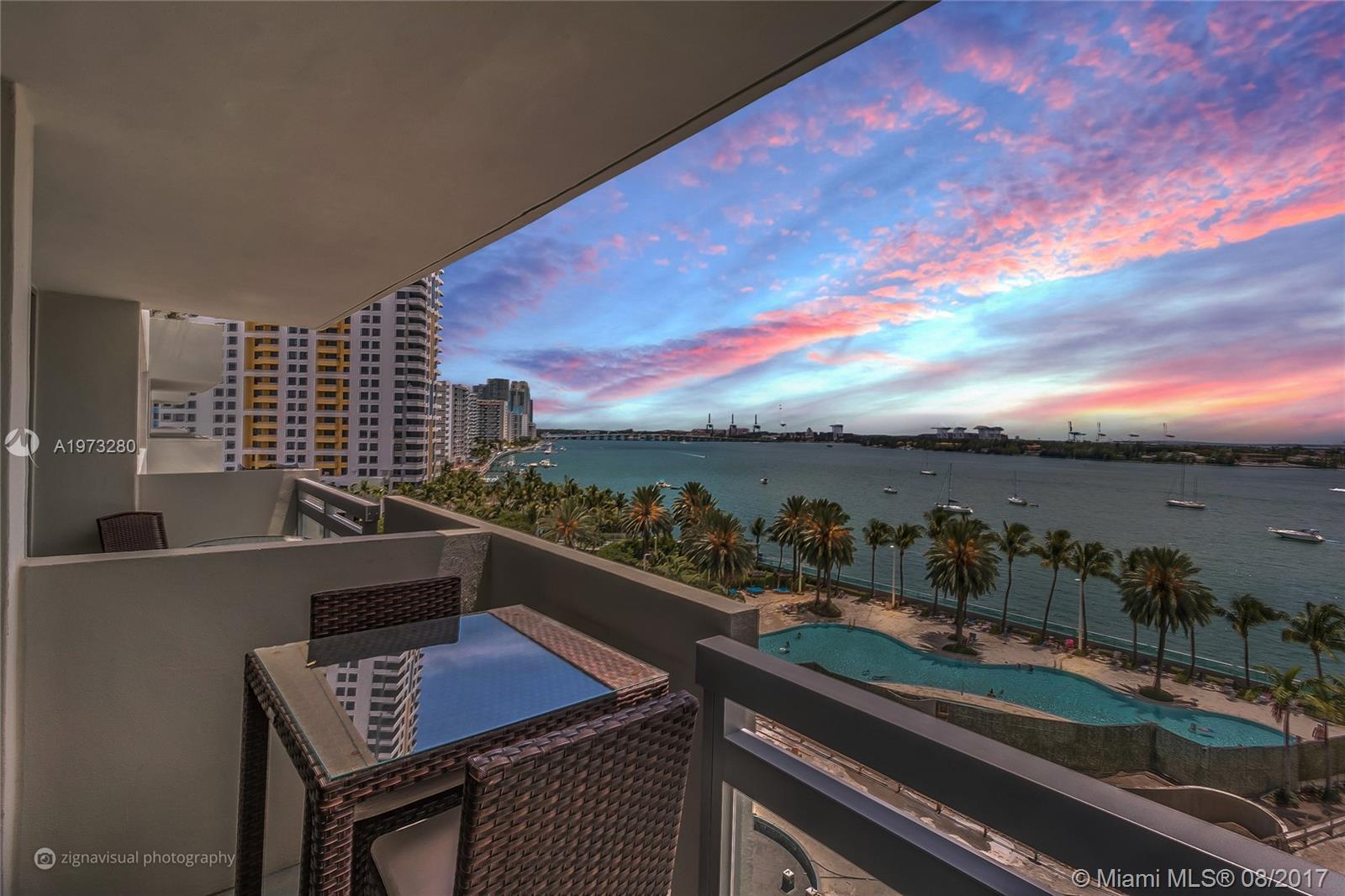 Flamingo South Beach #824S photo01