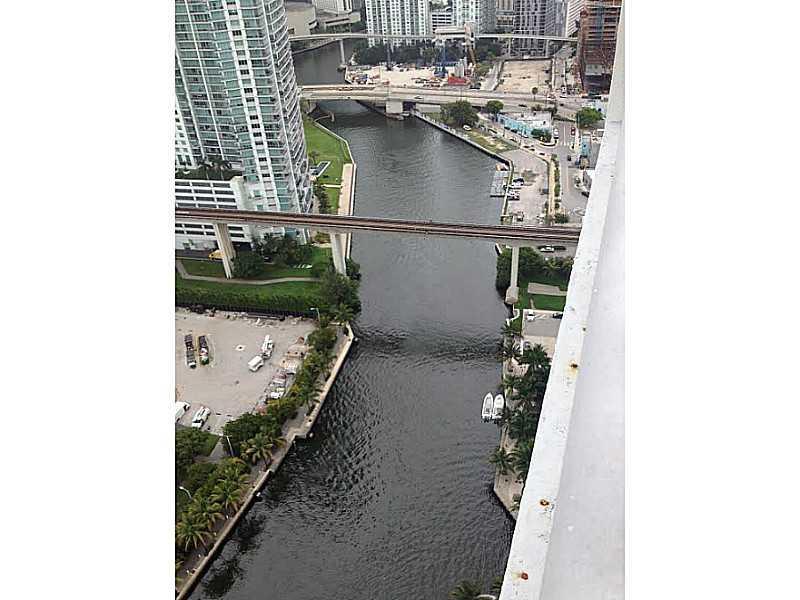 Latitude on the River #3601 photo03