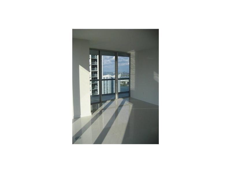 Icon Brickell #2010 photo04