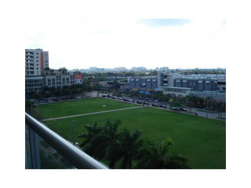 Two Midtown #M703 photo13