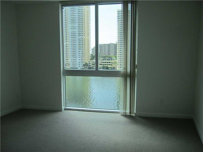 One Miami #909 photo12