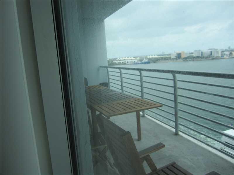 One Miami #909 photo03
