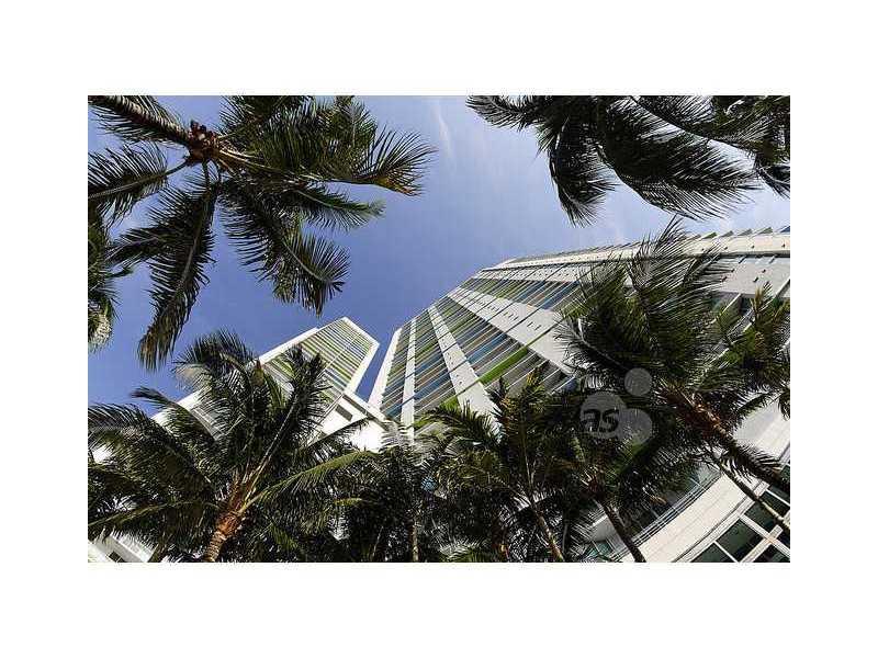 One Miami #2807 photo01