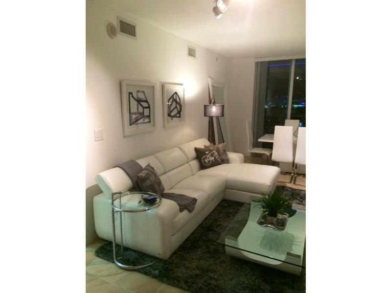 One Miami #1600 photo01