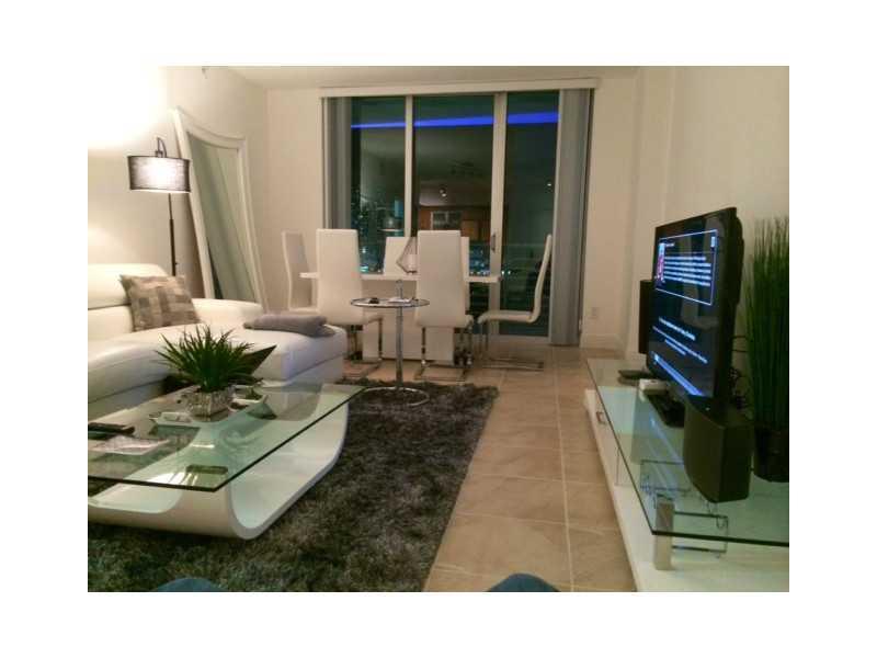 One Miami #1600 photo02
