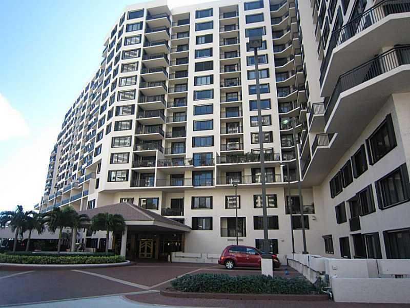 Brickell Key Two #412 photo01