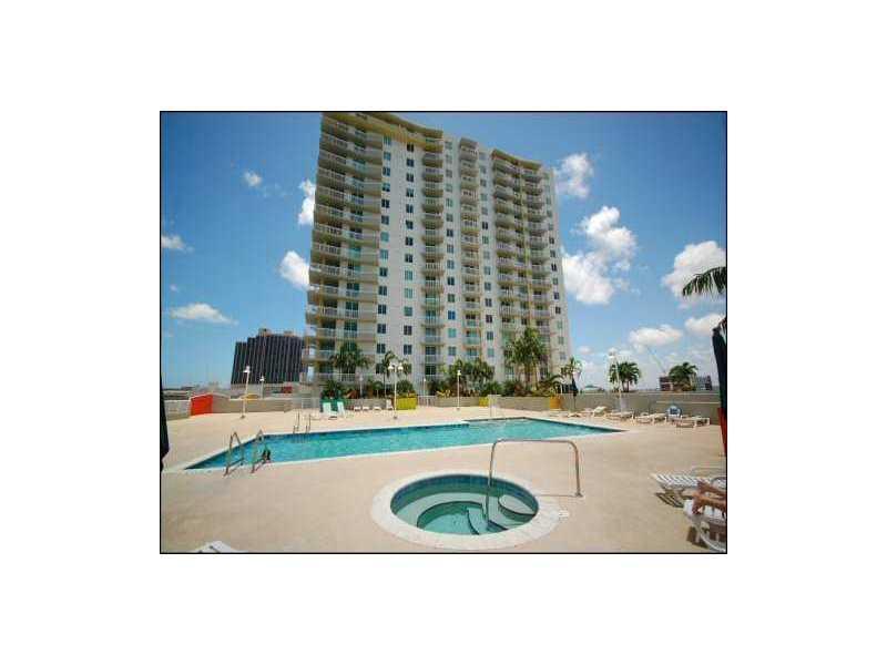 1800 Biscayne Plaza #2006 photo01