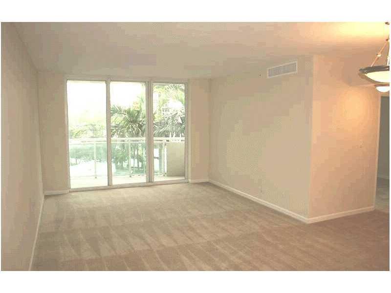 Residences on Hollywood #339 photo01