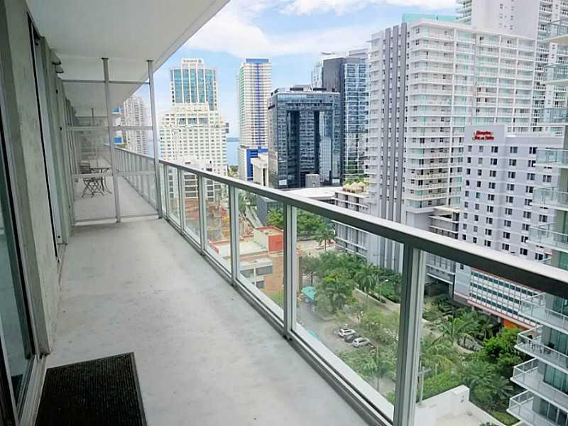 Axis on Brickell #1815-N photo04
