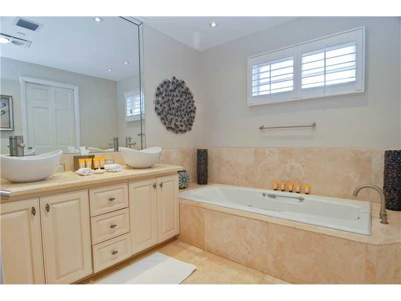 15521 FISHER ISLAND DR #15521 photo07